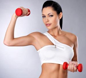 Почему девушке так важно тренировать верх тела